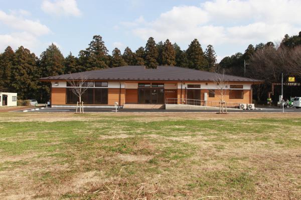 医療センター(外観1)