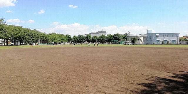 栄町運動広場